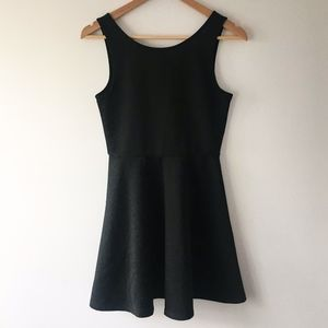 H + M // Gorgeous Classic Little Black Dress